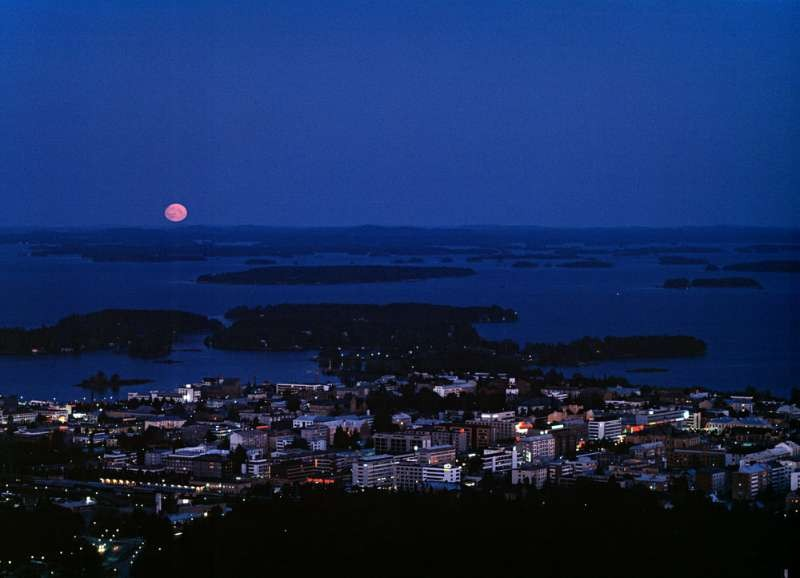 The moon and Kuopio