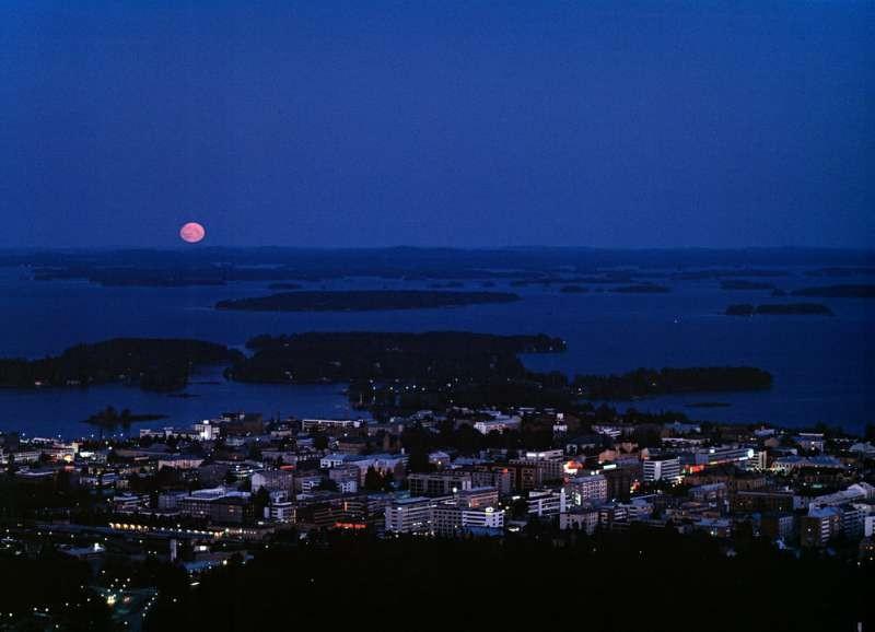 The moon and Kuopio